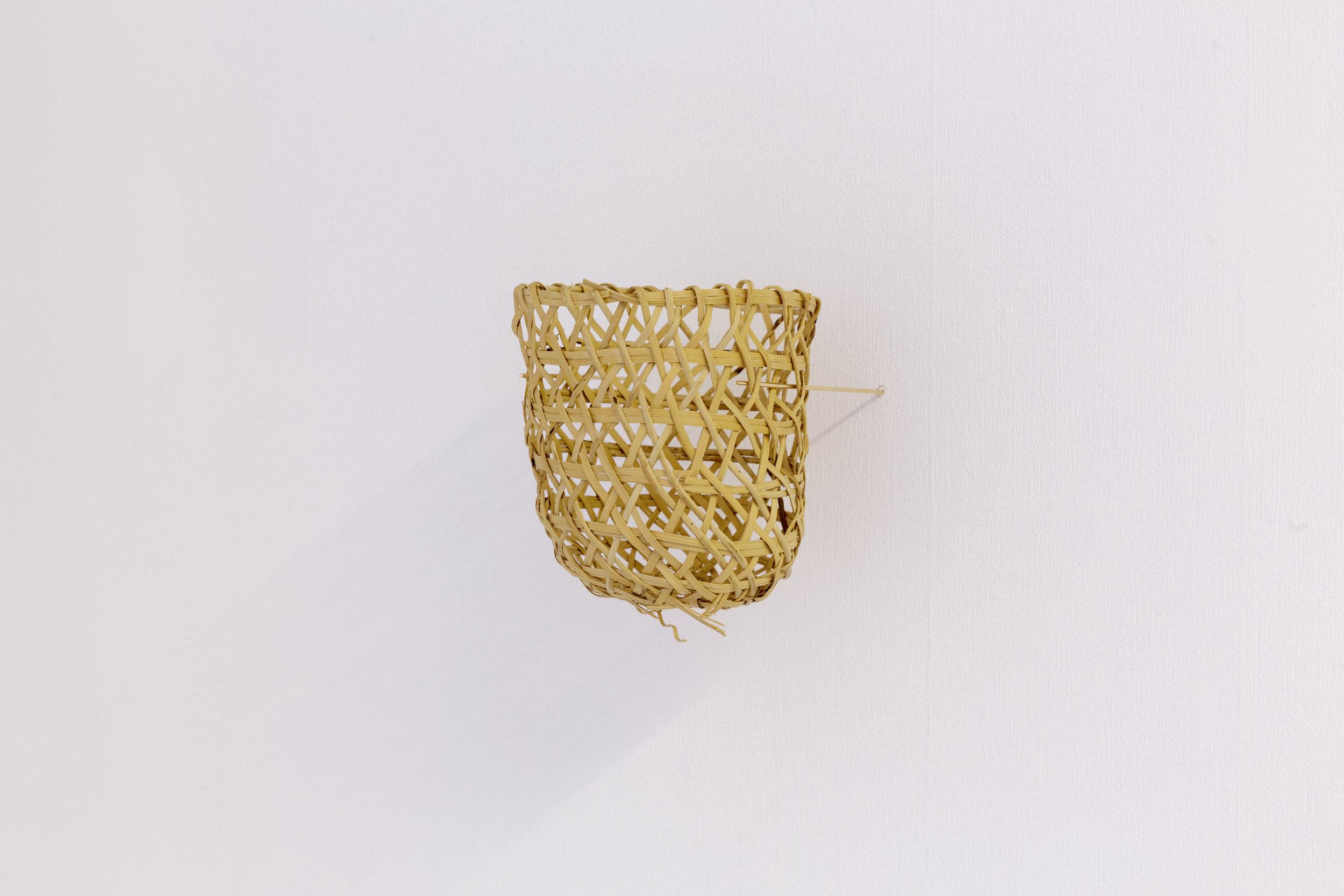 Joana Escoval, Untitled, 2014. Gold, Naso-Teribe basket. Photo: Tim Bowditch.