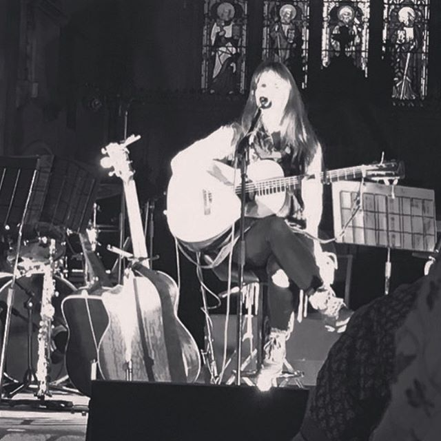 That one time I played a gig and the lights were so bright my face disappeared 💡😬😂 #giggingmusician #livemusic #brightlights #londonmusic #singersongwriter  #acoustic #seeingstars #starsinmyeyes ✨😎💡