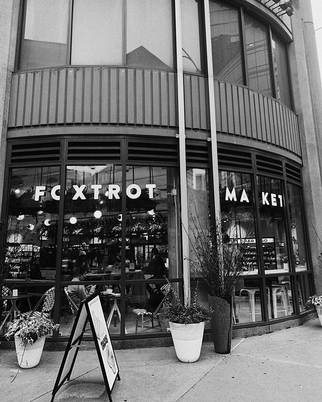 FRIYAY! Posting up at one of my fav cafe / general shops to crank out my work for the day. Anyone else feel more productive when they're out in public just working with headphones?  @foxtrotmarket is a STAPLE if you're in the Chicago area. Also, V jealous if you work near one of these for lunch. They have all things coffee and lattes, smoothies, healthy grab and go items and even fun convince items that support better choices and overall health. If you go, tag me! PSA : if you don't like Matcha, you WILL like their iced lavender matcha with CBD ✔️