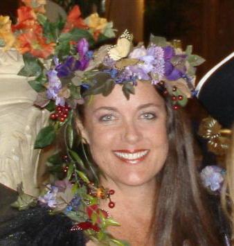 house of flora - Lieutenant Kimber Tracy & Queen IIflora@kreweofkeywest.com