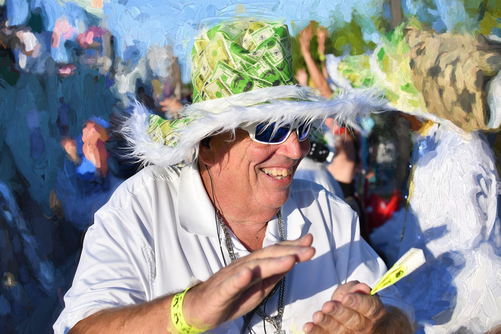 house of paws - Lieutenant Bob Harvey & Fantasy Fest Float Chairpaws@kreweofkeywest.com