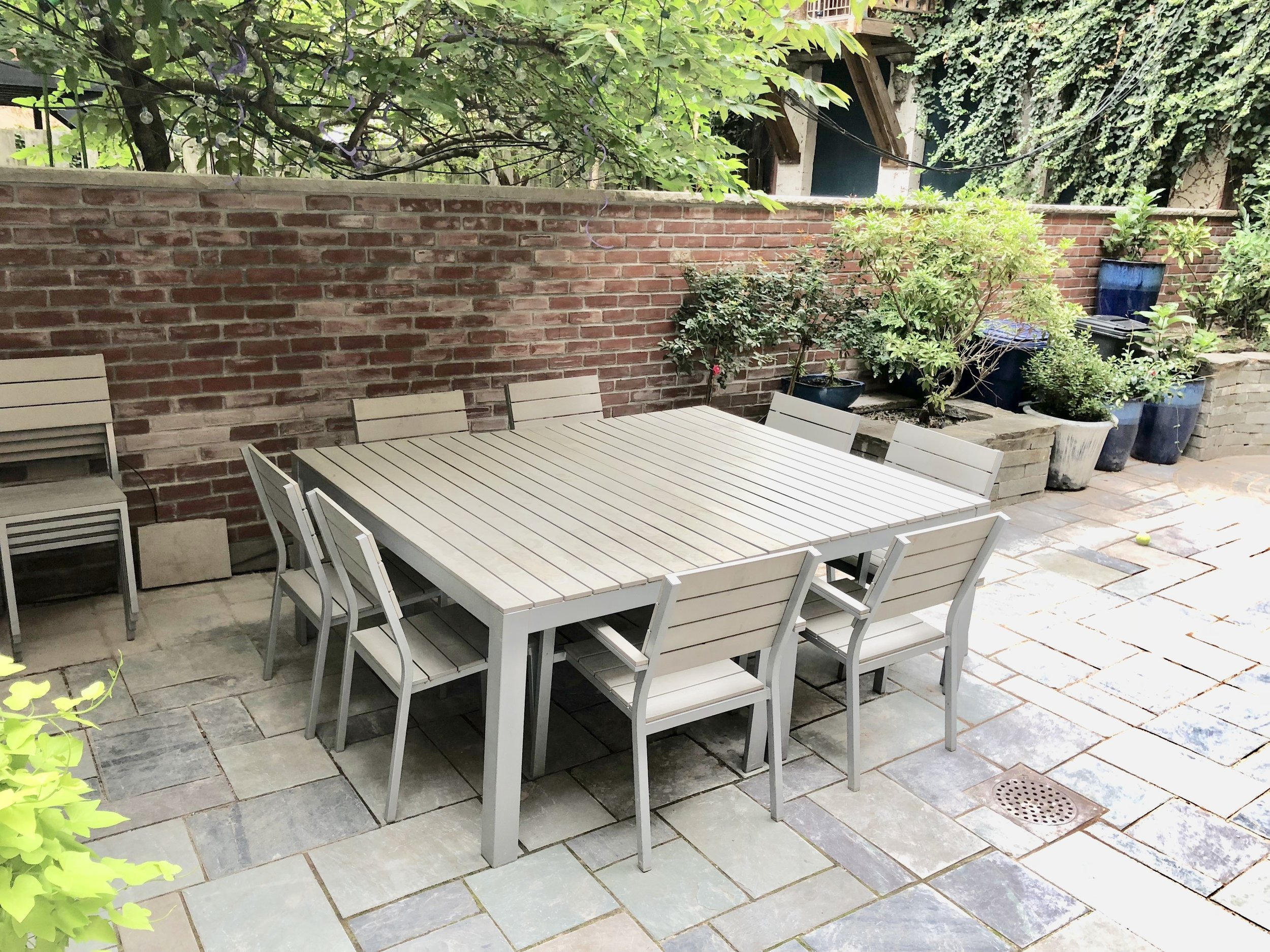 backyard dining.jpg