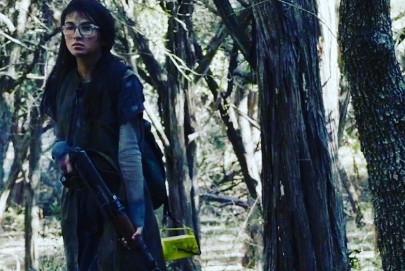 That's my niece, @mia_urrabazo on #fearthewalkingdead ❤️ so cool and really super 🧟‍♀️ 🧟‍♂️ 🧟‍♀️
