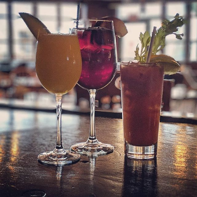 Start your day off right... $6 Mimosas, Bloody Marys & Red Sangria every Sunday brunch @desmondhotelmalvern.  Make sure you get your Easter reservations early!! #desmondmalvern #forkandbottlemalvern #sundaybrunch #sundayfunday #mimosasunday #bloodymarys #sangriasundays #awardwinning #top100 #brunchwithus #reservationsavailable #easterbrunch #malvernpa #chestercountypa #opentable