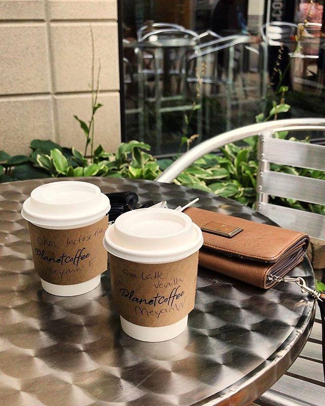 Coffee and Fridays 👌 Name a more iconic duo... I'll wait! 😉 . 📸 @meyan91 . . . #planetcoffeeottawa #ottawacoffee #myottawa #ottawatourism #ottawafoodies #coffeelover #ottawaeats #bywardmarket #barista #espresso #latte #coffeegram #coffee #coffeetime #summertimeliving #coffeeandfridays