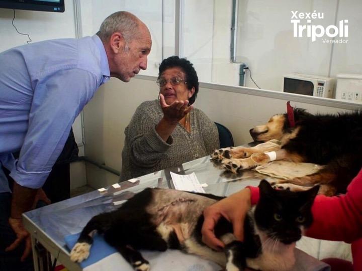 Xexéu Tripoli em visita ao Hospital Público Veterinário do Tatuapé. O vereador está empenhado em abrir um novo Hospital na Zona Sul, atendendo a demanda da população.