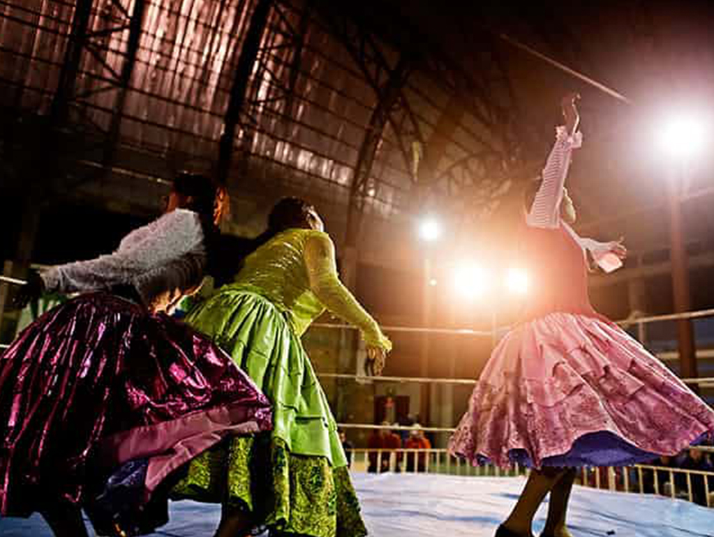 BOLIVIA'S FEMALE WRESTLERS: RINGING THE CHANGES   The Guardian