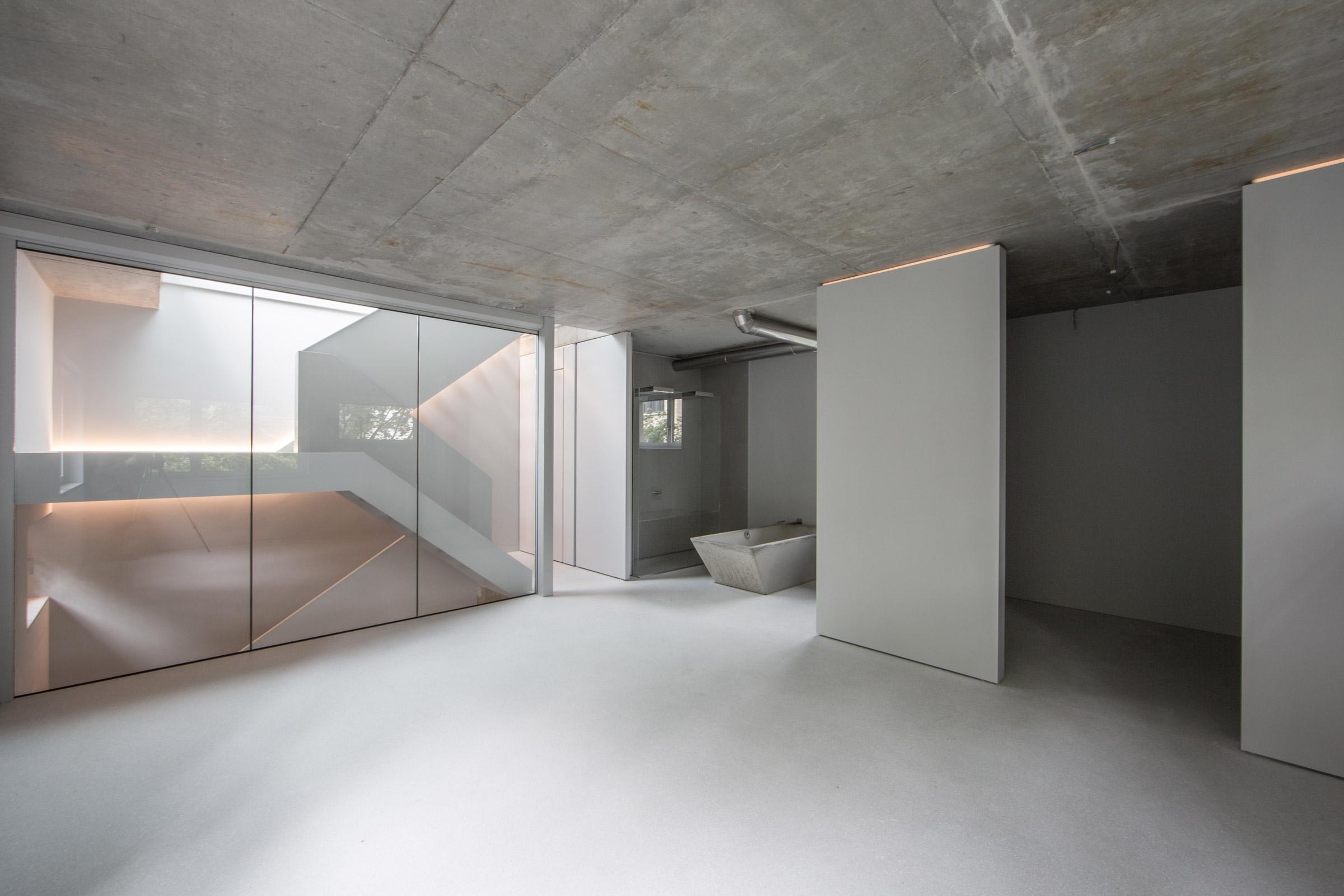 Schlafzimmer, Ankleide und offenes en-suite Badezimmer