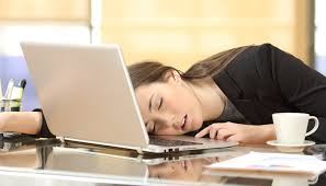 Snoozing at your desk can be good for productivity ! -