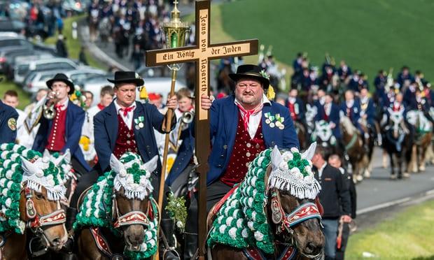 The peasants' procession towards Castle Dracula..... -