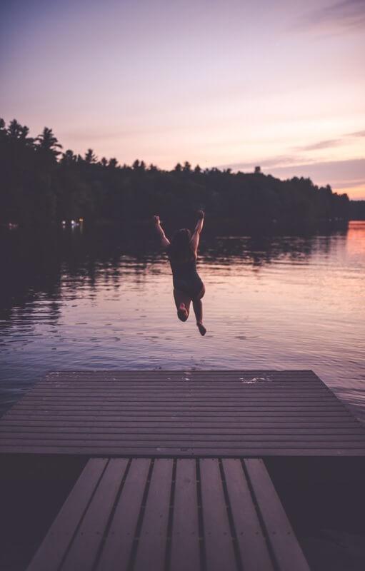 amber_housley_lake_jump.jpg