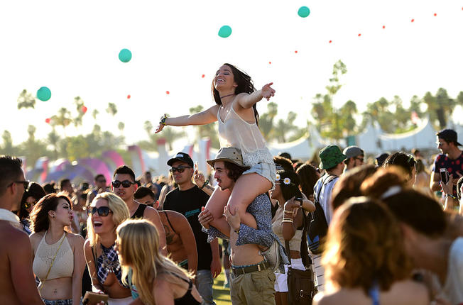 Coachella Festival 2018 was attended by over 100,000 people, many stayed in hotels/motels.