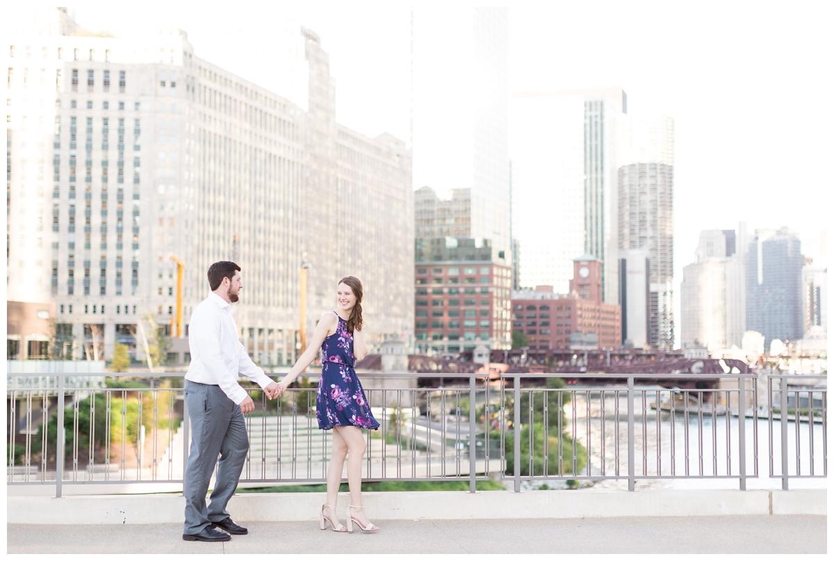 Destination-Kinzie-St.Bridge-Chicago-Engagement-Photos_5651.jpg