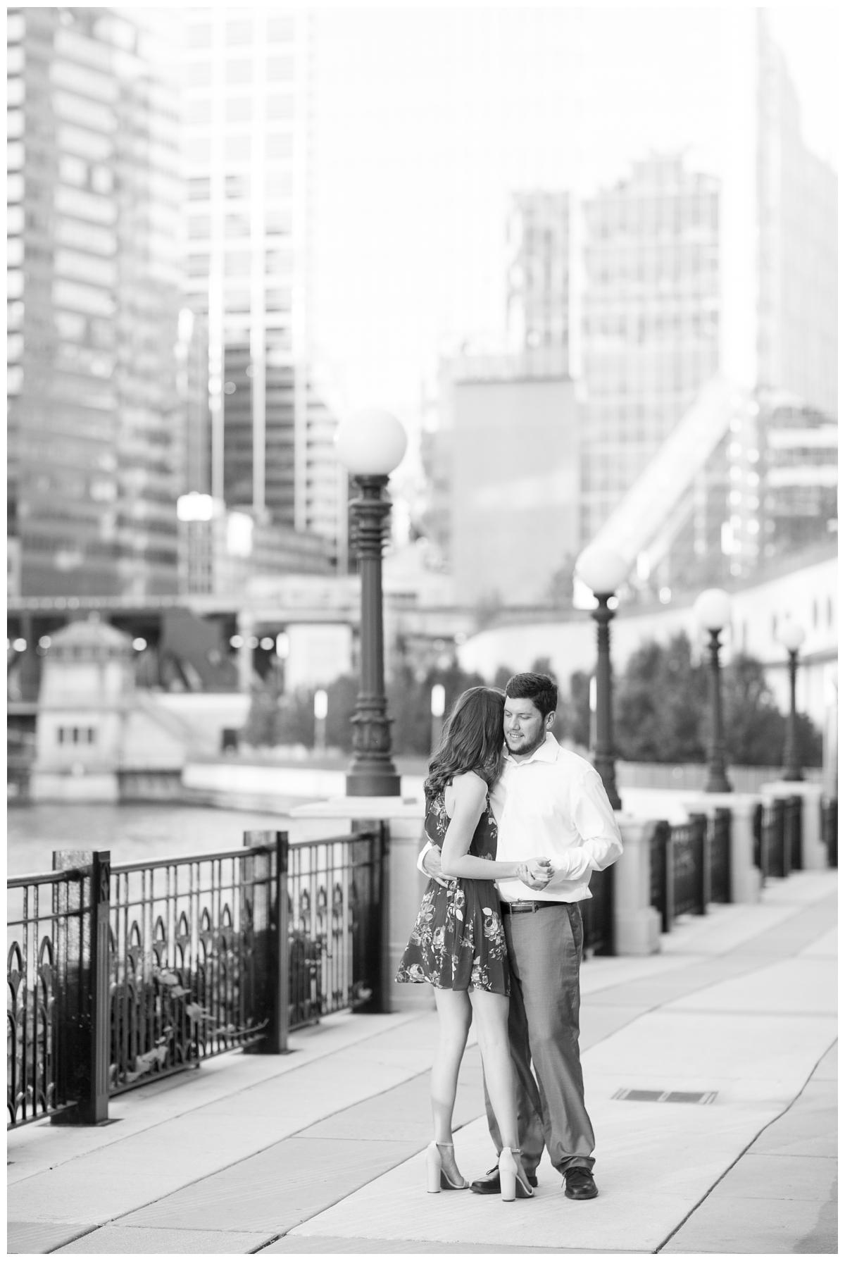 Destination-Kinzie-St.Bridge-Chicago-Engagement-Photos_5665.jpg