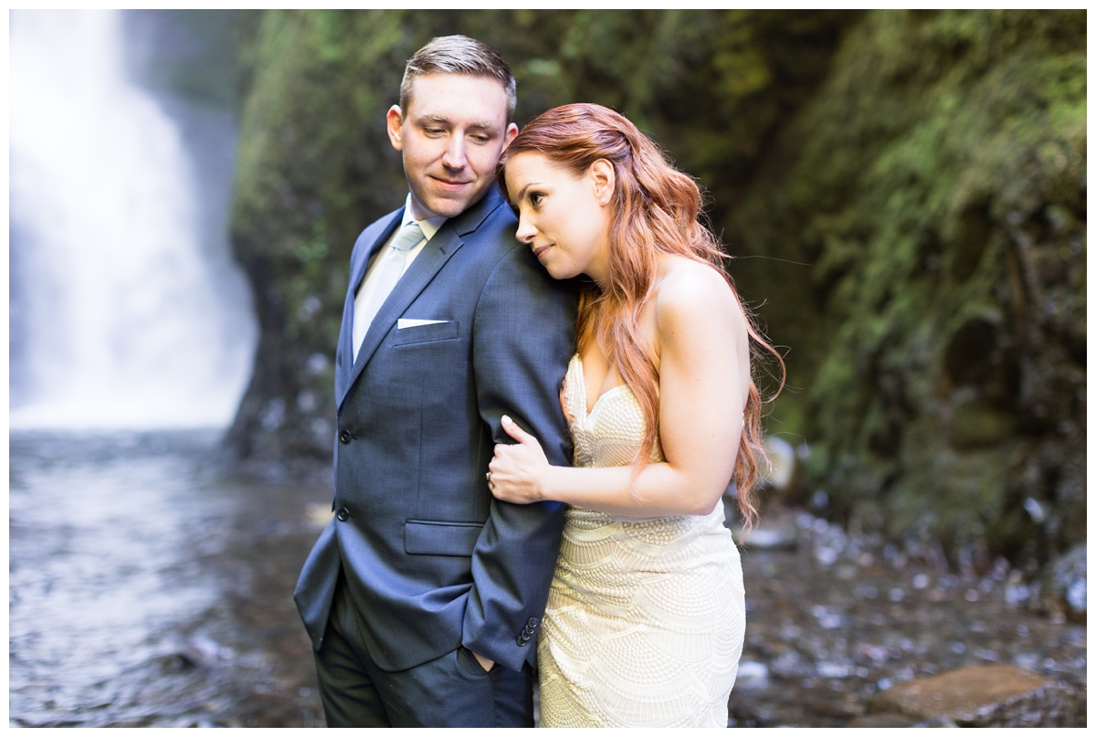 Oneonta-Gorge-Elopement-Photographer-Destination-Wedding_0596.jpg