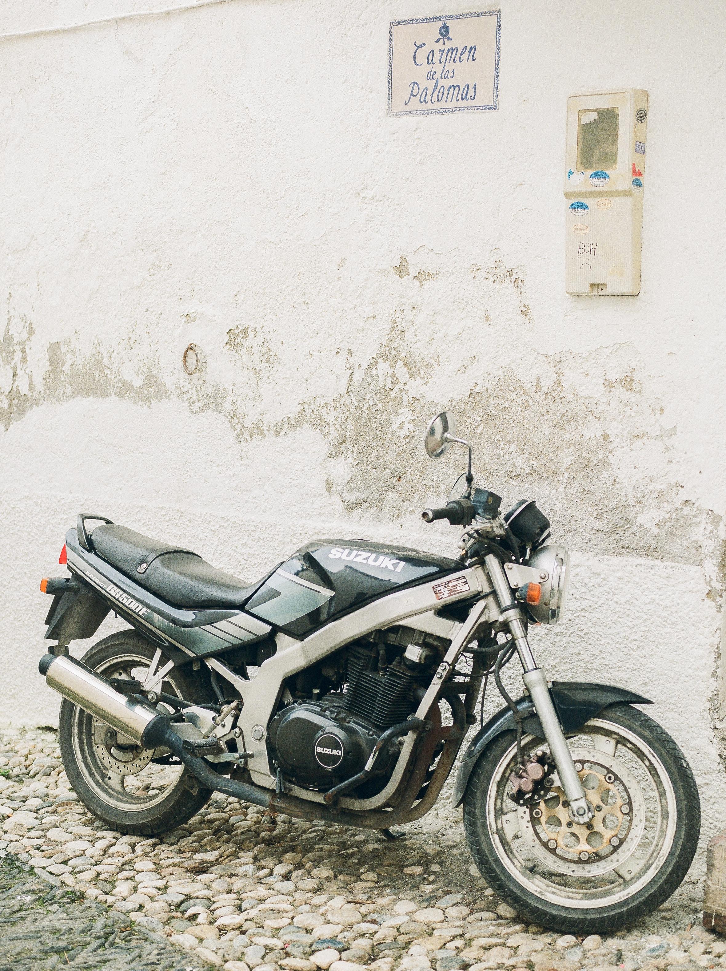 Destination-Barcelona-Motorcycle-on-the-strets-Photographer-152.jpg
