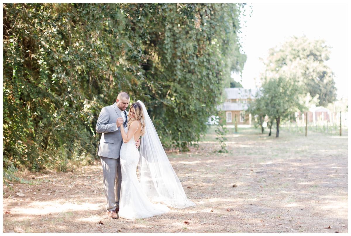 Gale-Vineyards-Wedding-Photographer_1871.jpg