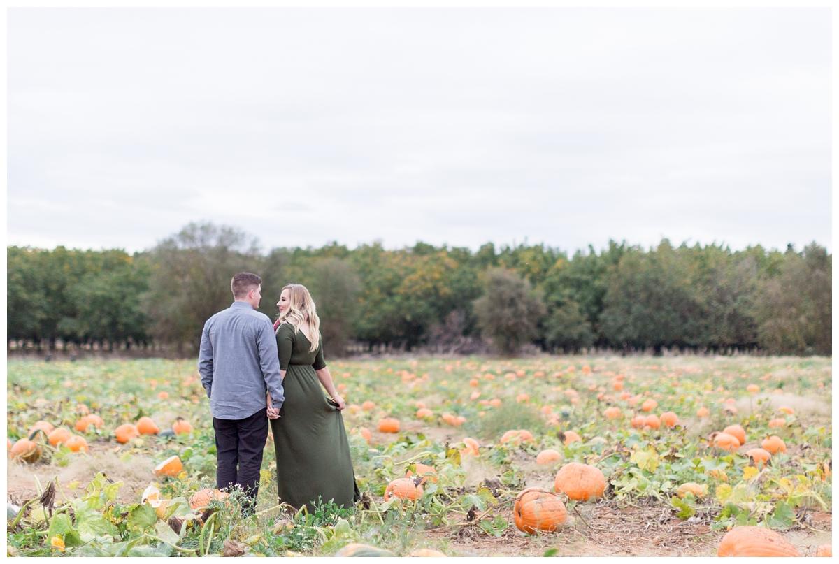 Bishops-Pumpkin-Patch-Engagement-Photos_3133.jpg