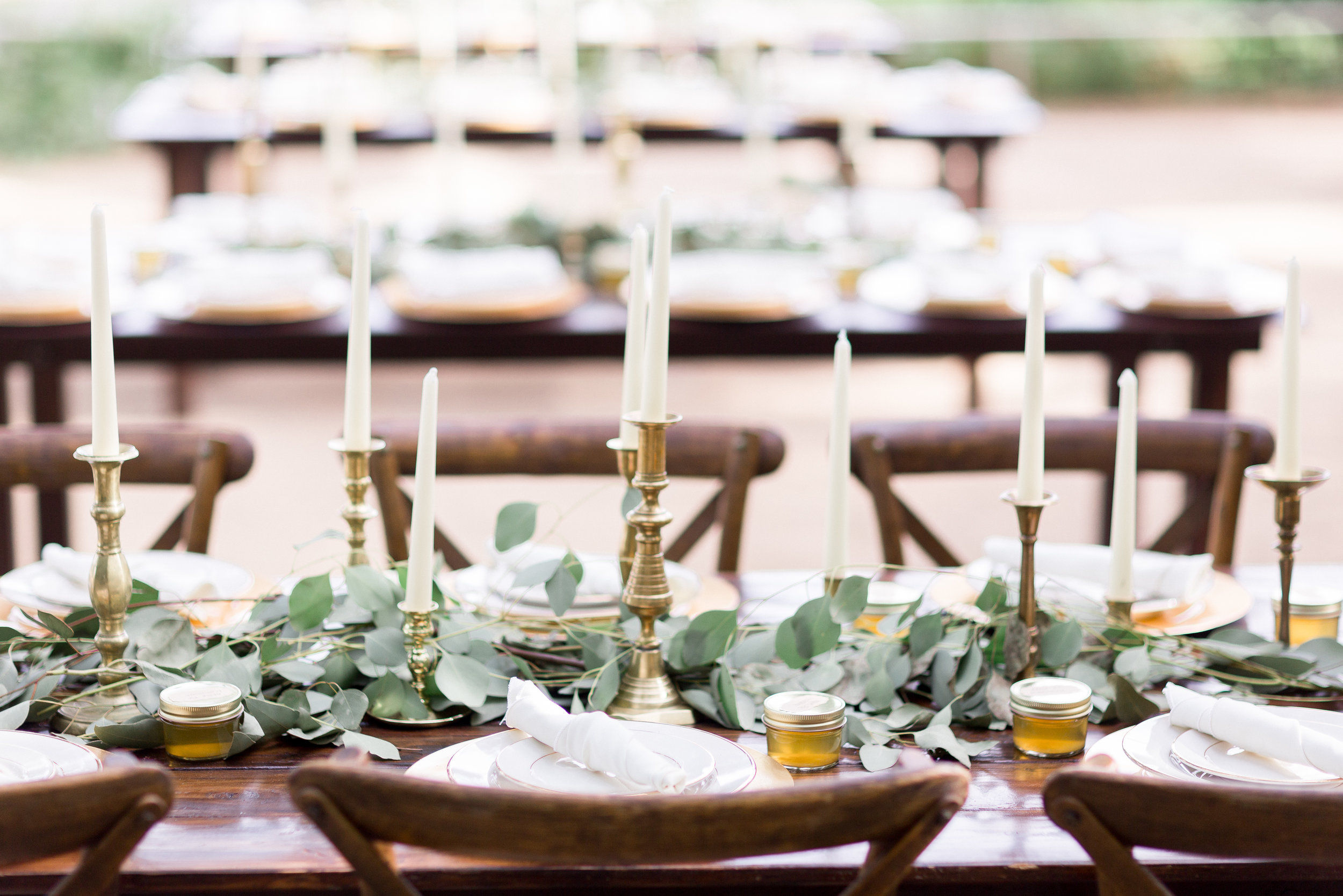 gold-and-greenery-wedding-reception