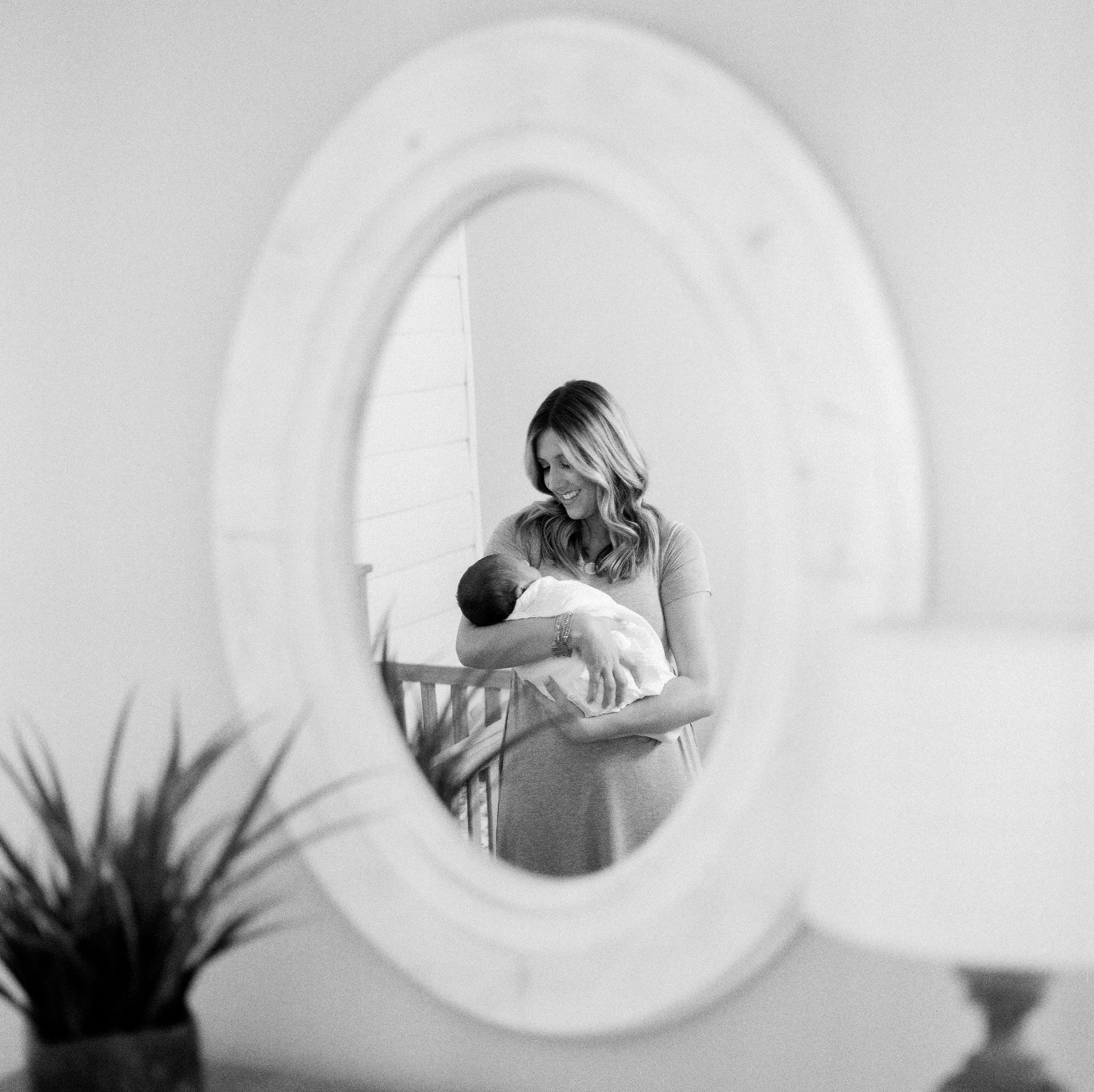120Roseville-Lifestyle-Newborn-Photographer (119 of).jpg