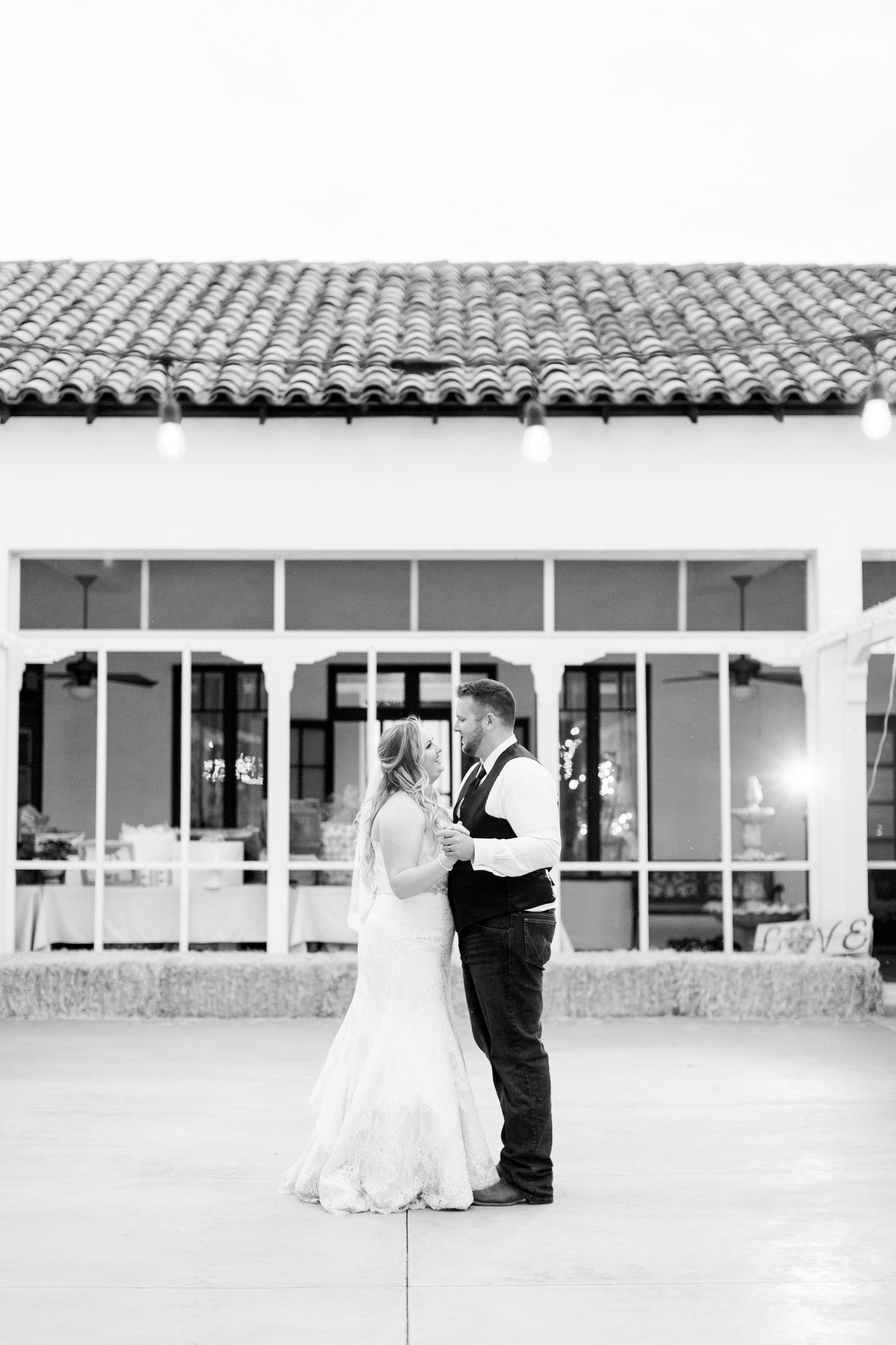 1030Red-Bluff-Ranch-Wedding-Photographer (908 of).jpg