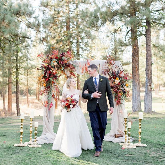 Ryan and Caitlin, we love watching your love! The way you love everyone around you and each other is inspiring! #turningthompson #trecreative . Cheers to the newlyweds! . Vendors  Venue - @chaletviewlodge  Cater - @roundaboutreno  DJ - @chicoweddingdj  Makeup - @powderroomchico  Flowers - Pam Walters Coordinating - Jessica Young Dress - @margenesbridal