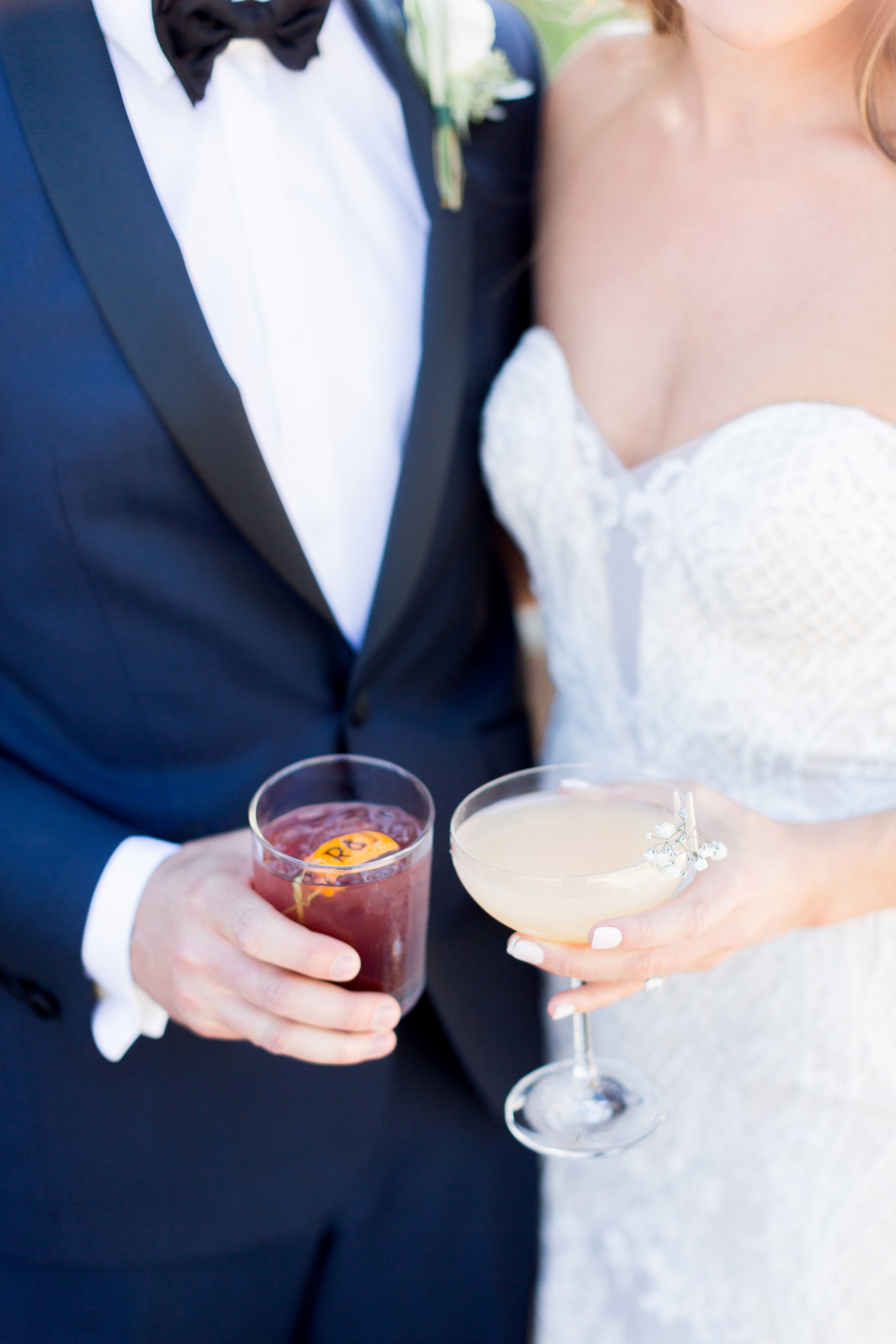 Napa-wine-wedding-photographer-captures-bride-and-groom-signature-cocktailsjpg
