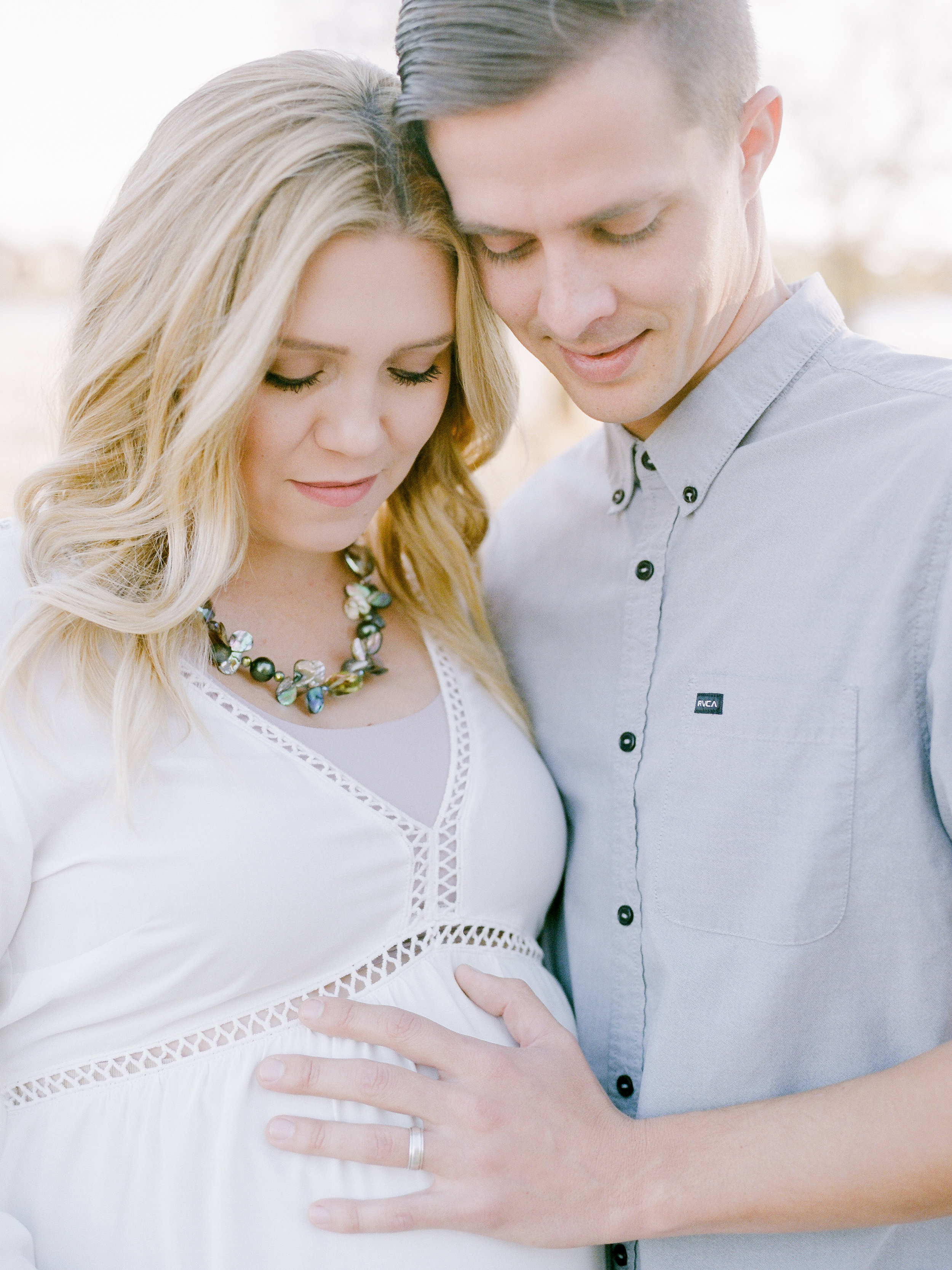 family-maternity-photography-session-on-film(1 of).jpg