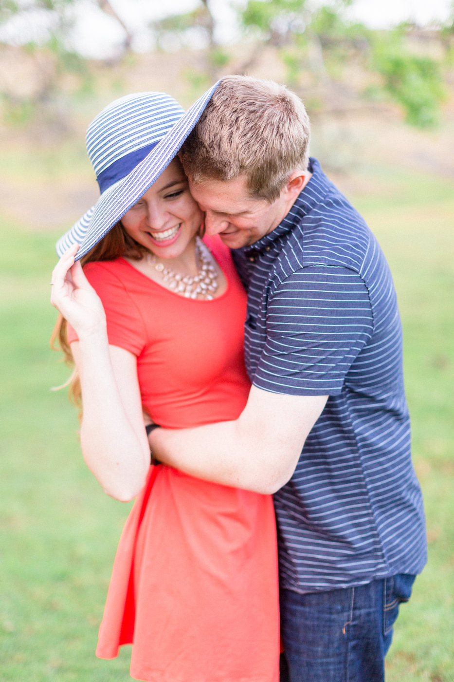 cute-couple-has-photos-taken-in-the-spring-in-Northern-California.jpg