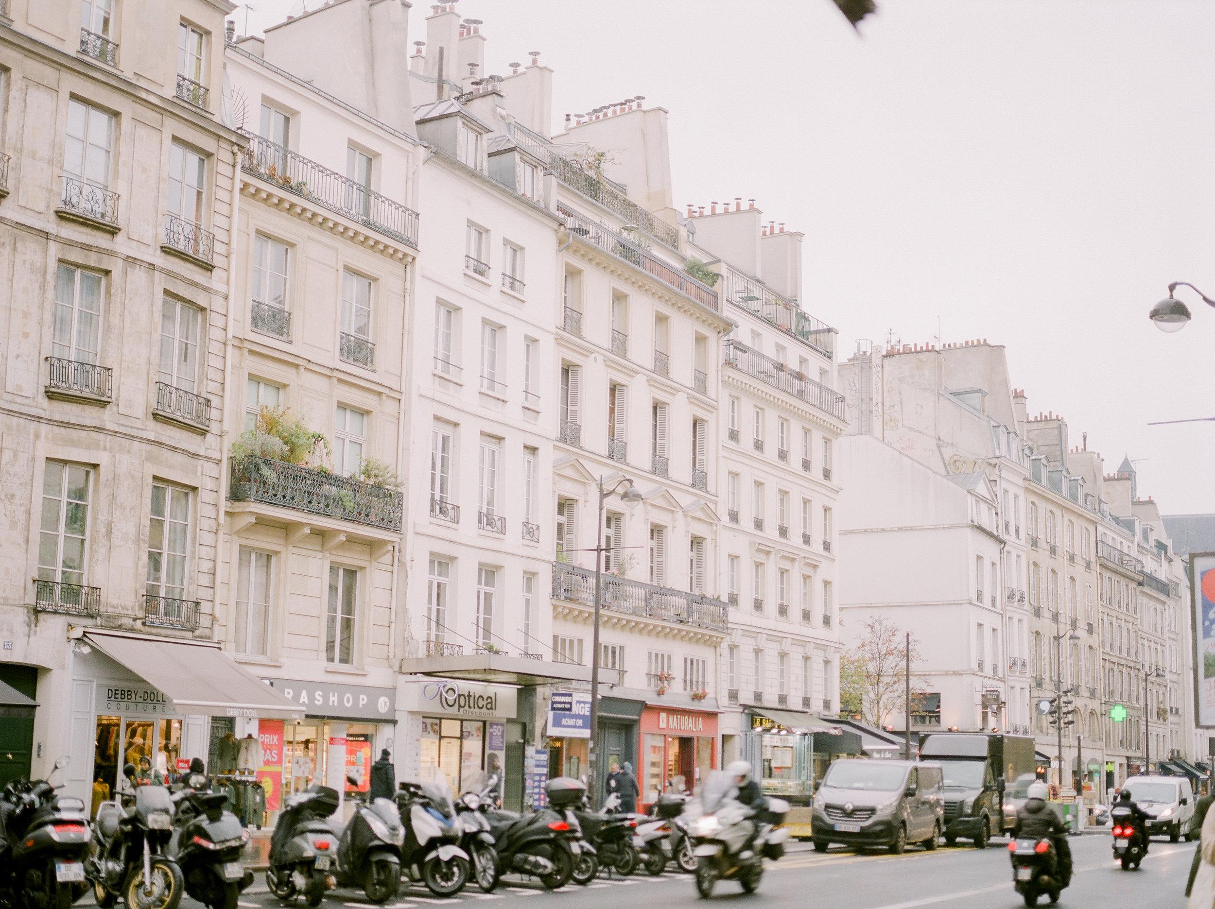 paris-lifestyle-travel-photographer-23.jpg