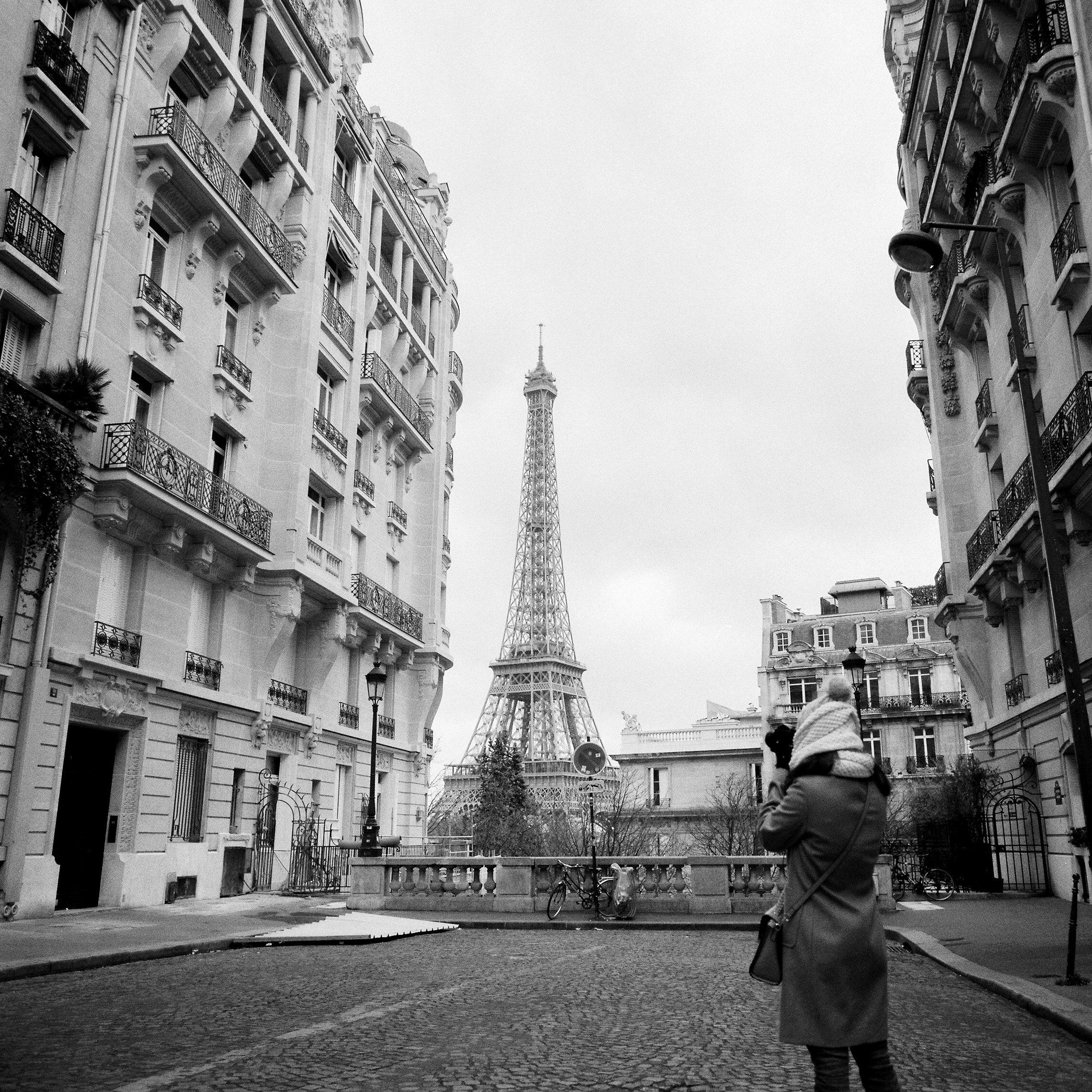 Paris-photographed-on-vintage-Hasselblad-film-camera .jpg