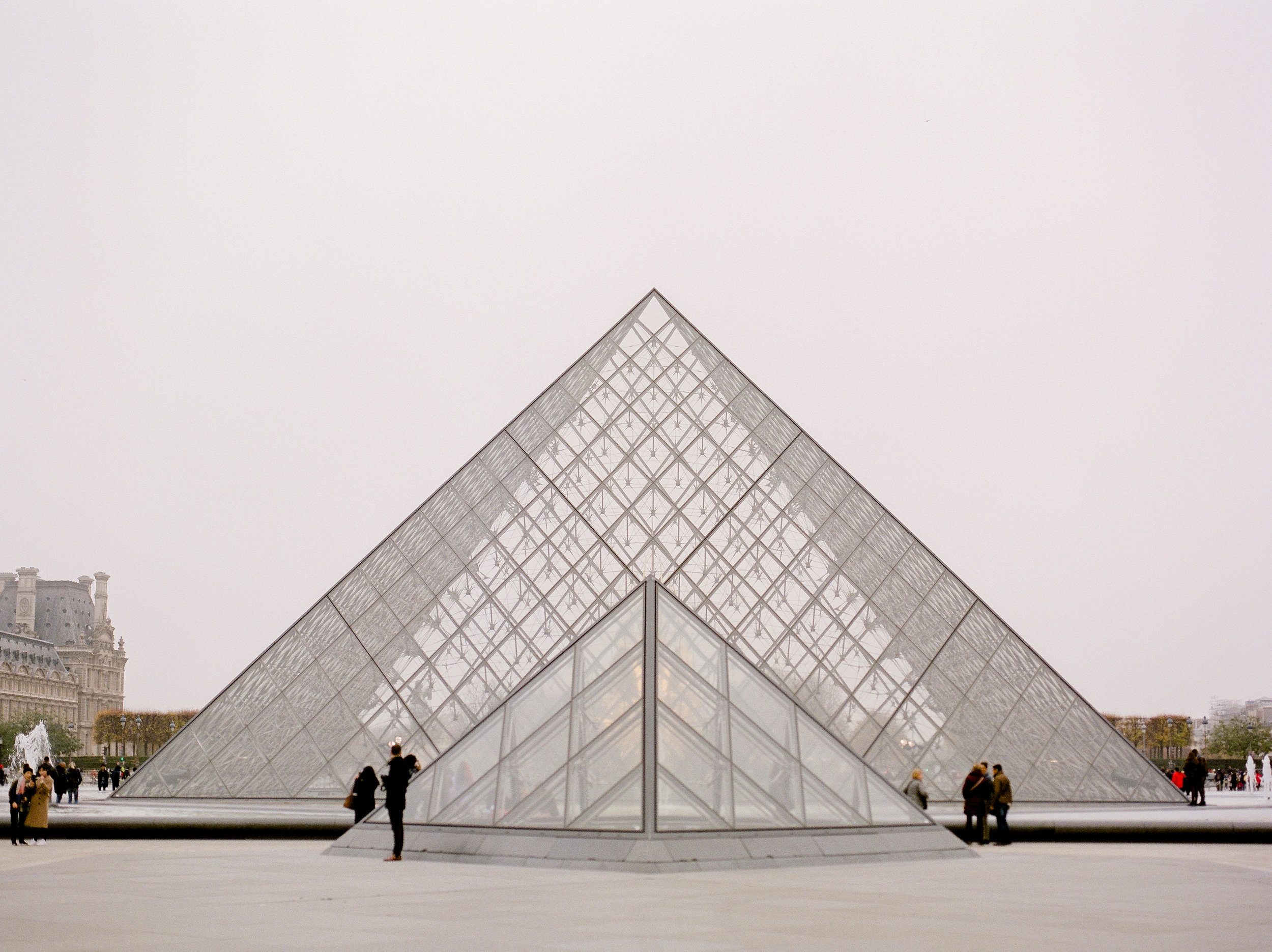 california-photographer-travels-to-paris-to-visit-the-louvrejpg