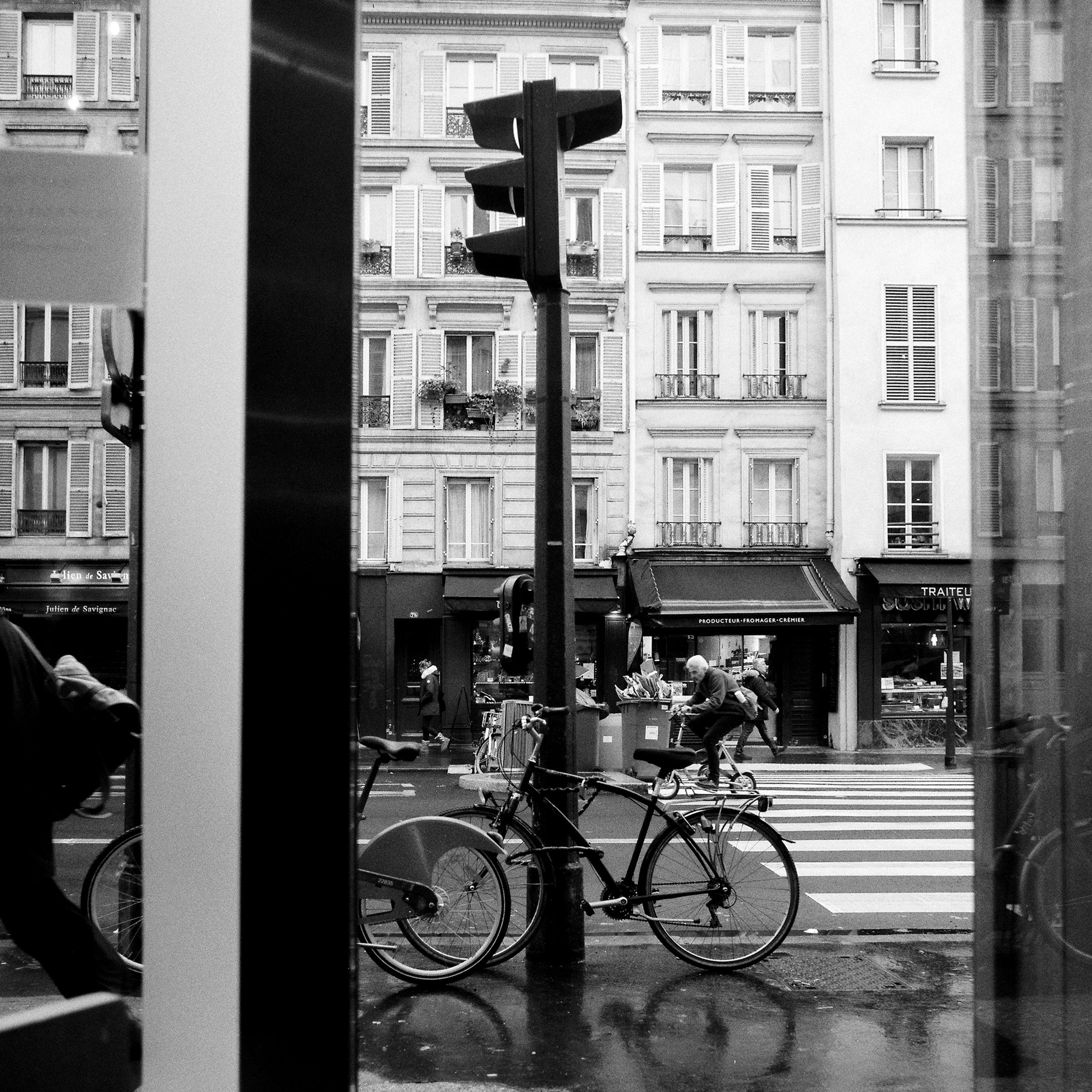 Paris Hasselblad B&W-0060.jpg