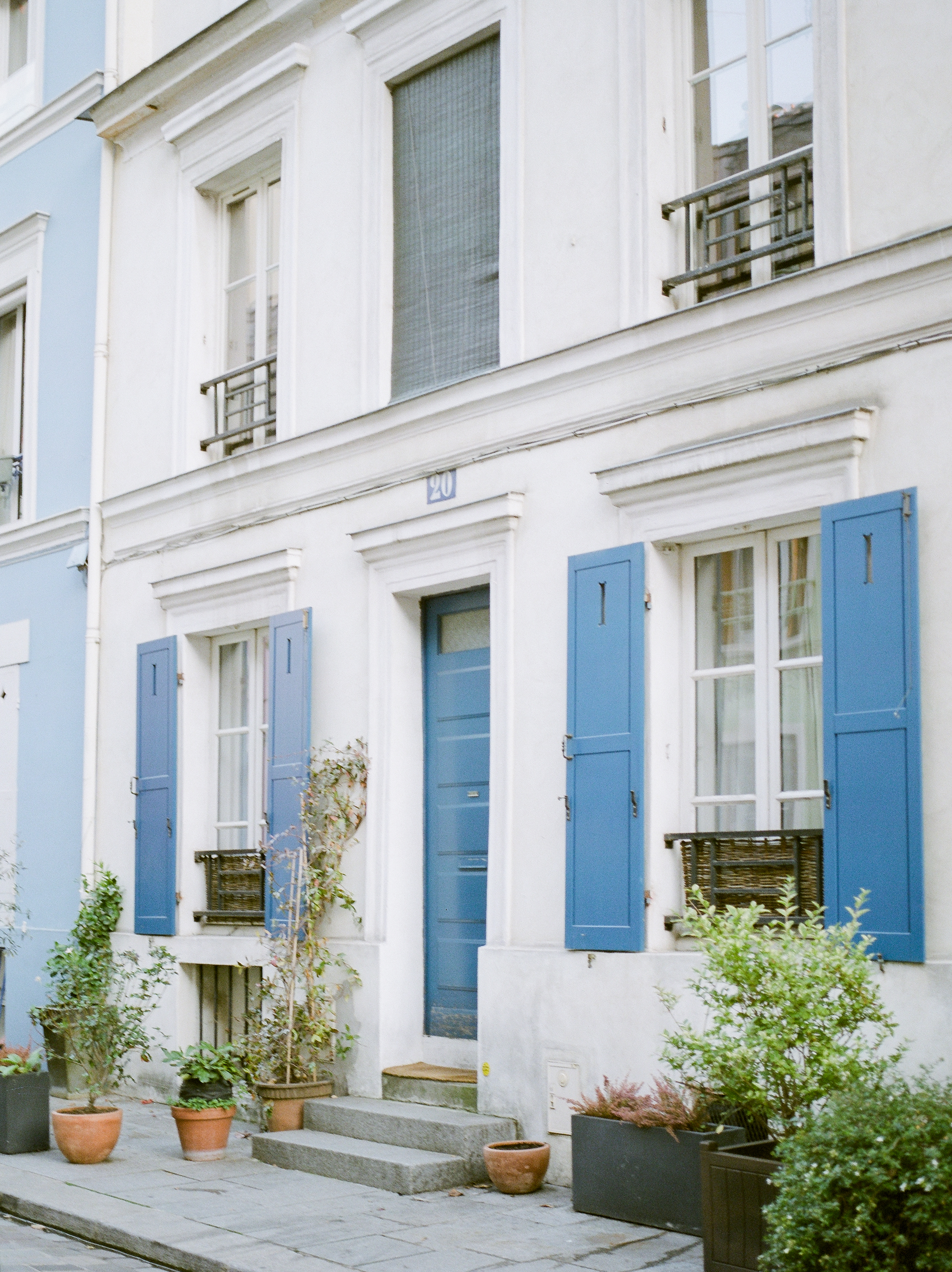 famous-colorful-street-in-paris-france.jpg