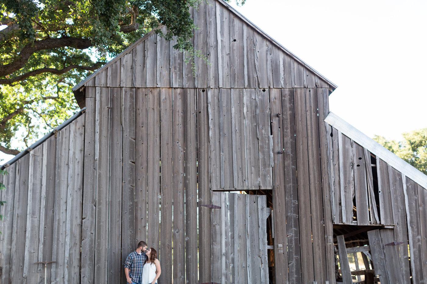 Northern-California-Country-Sacramento-River-Engagement-Photos.jpg