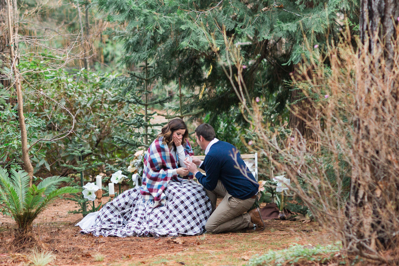 northern-california-winter-mountains-outdoor-styled-shoot-surprise-proposal-photos.jpg