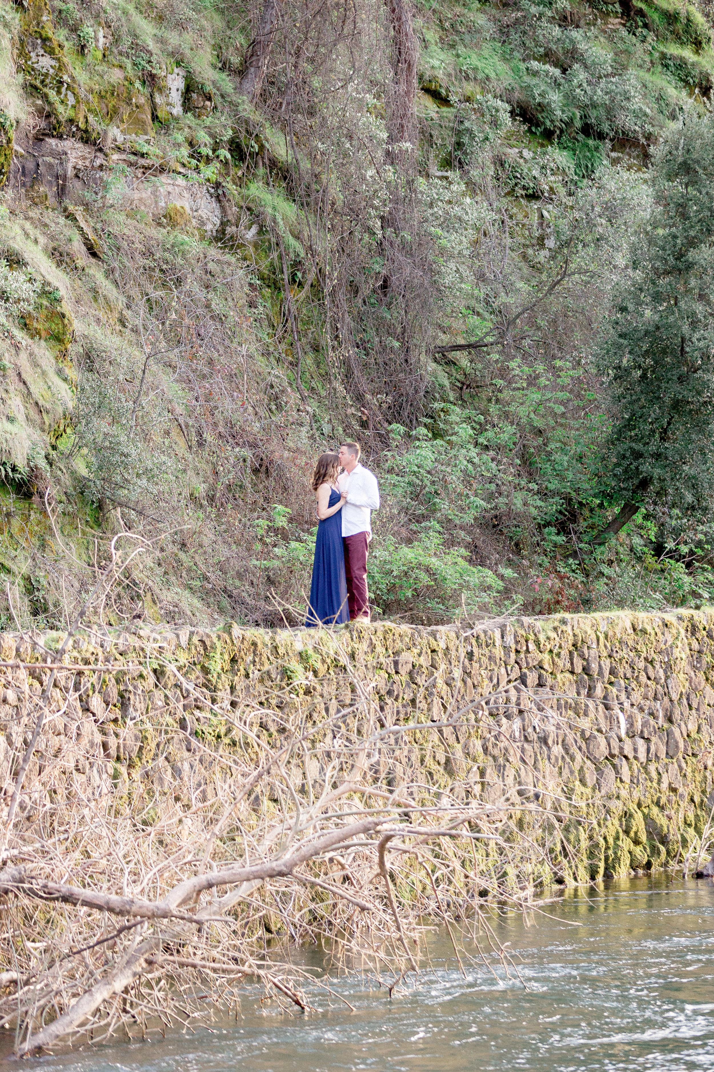 husband-and-wife-wedding-photographers.jpg
