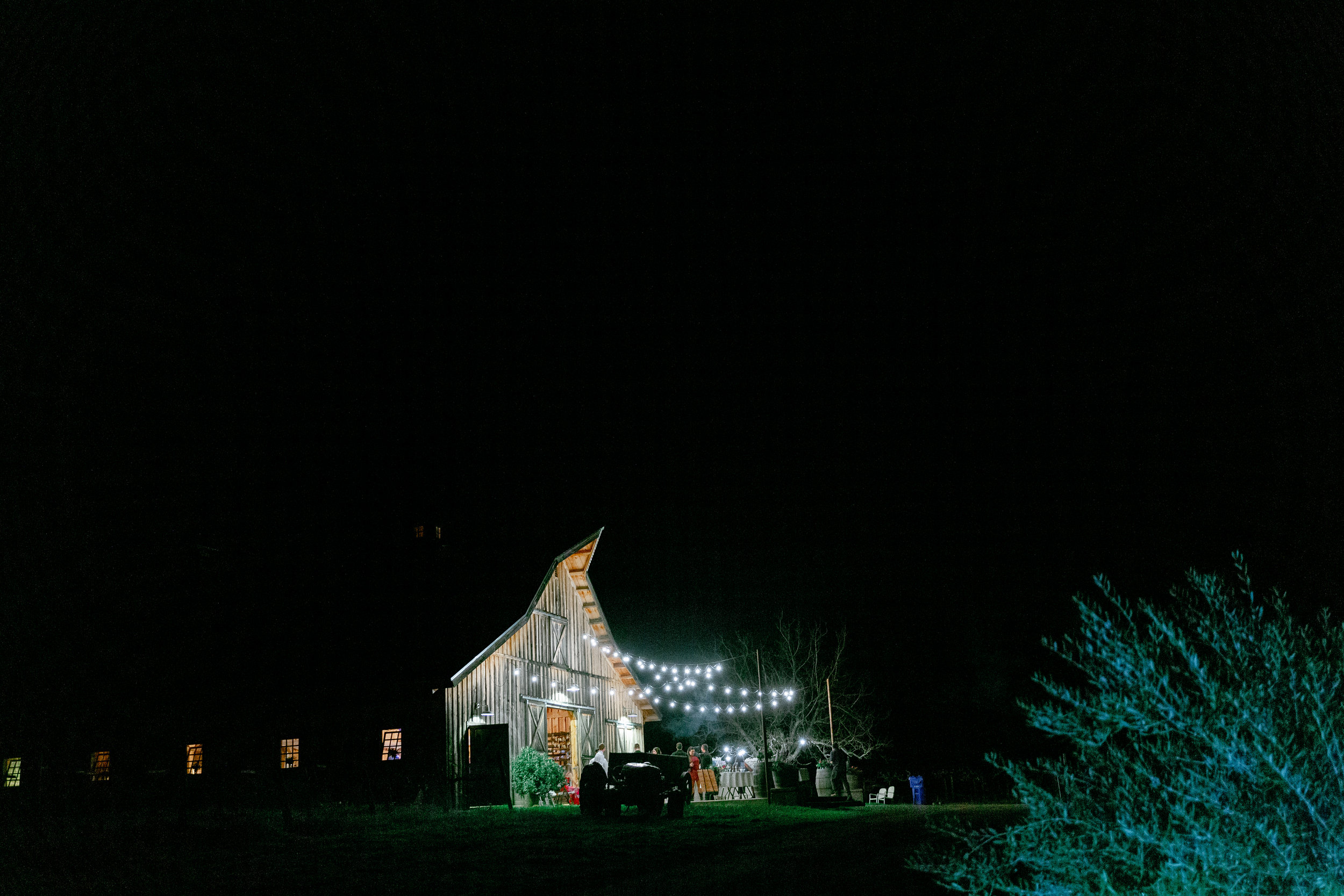 amador-cellars-barn-at-night-wedding-reception.jpg