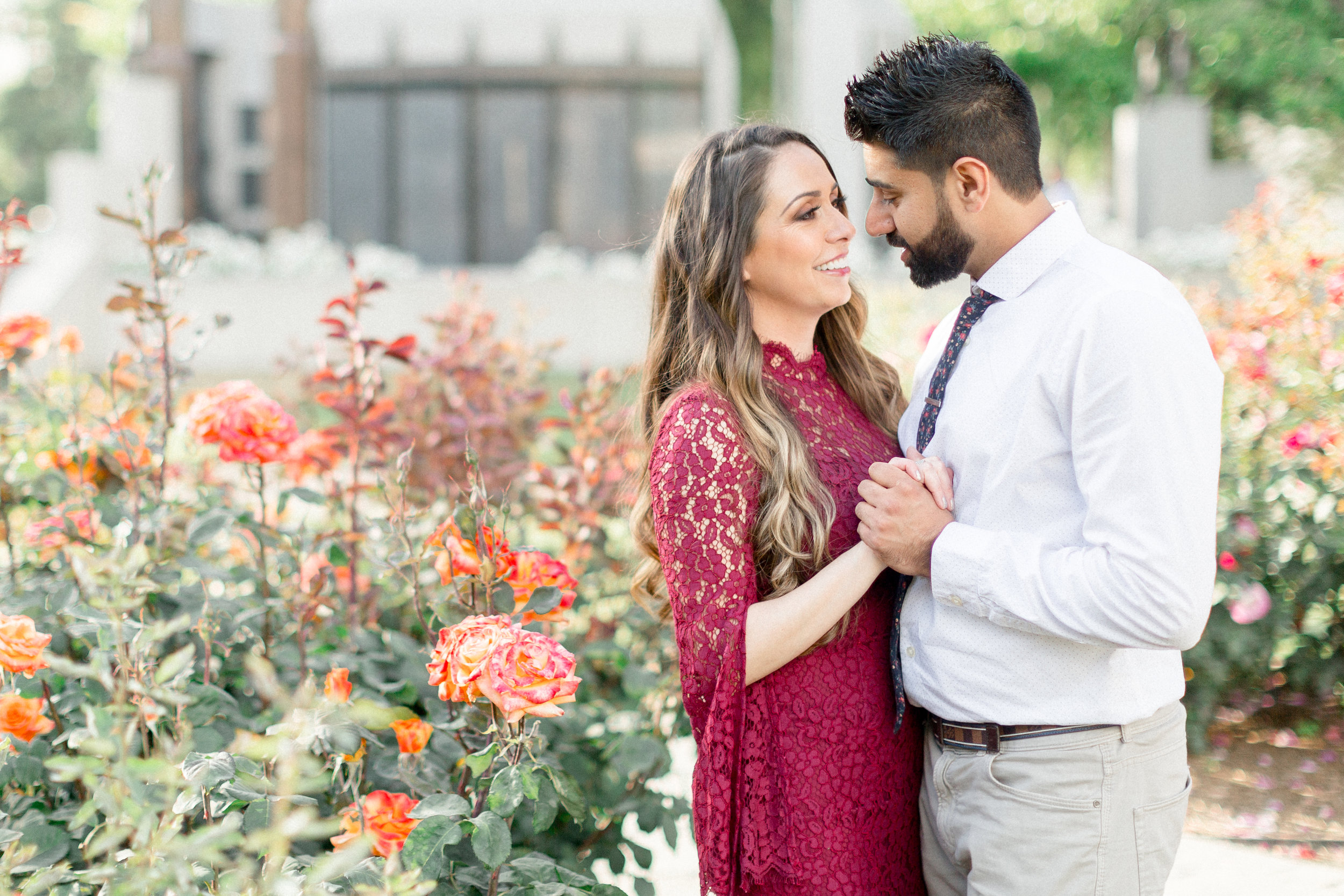 capitol-park-rose-garden-sacramento-engagement-photos.jpg