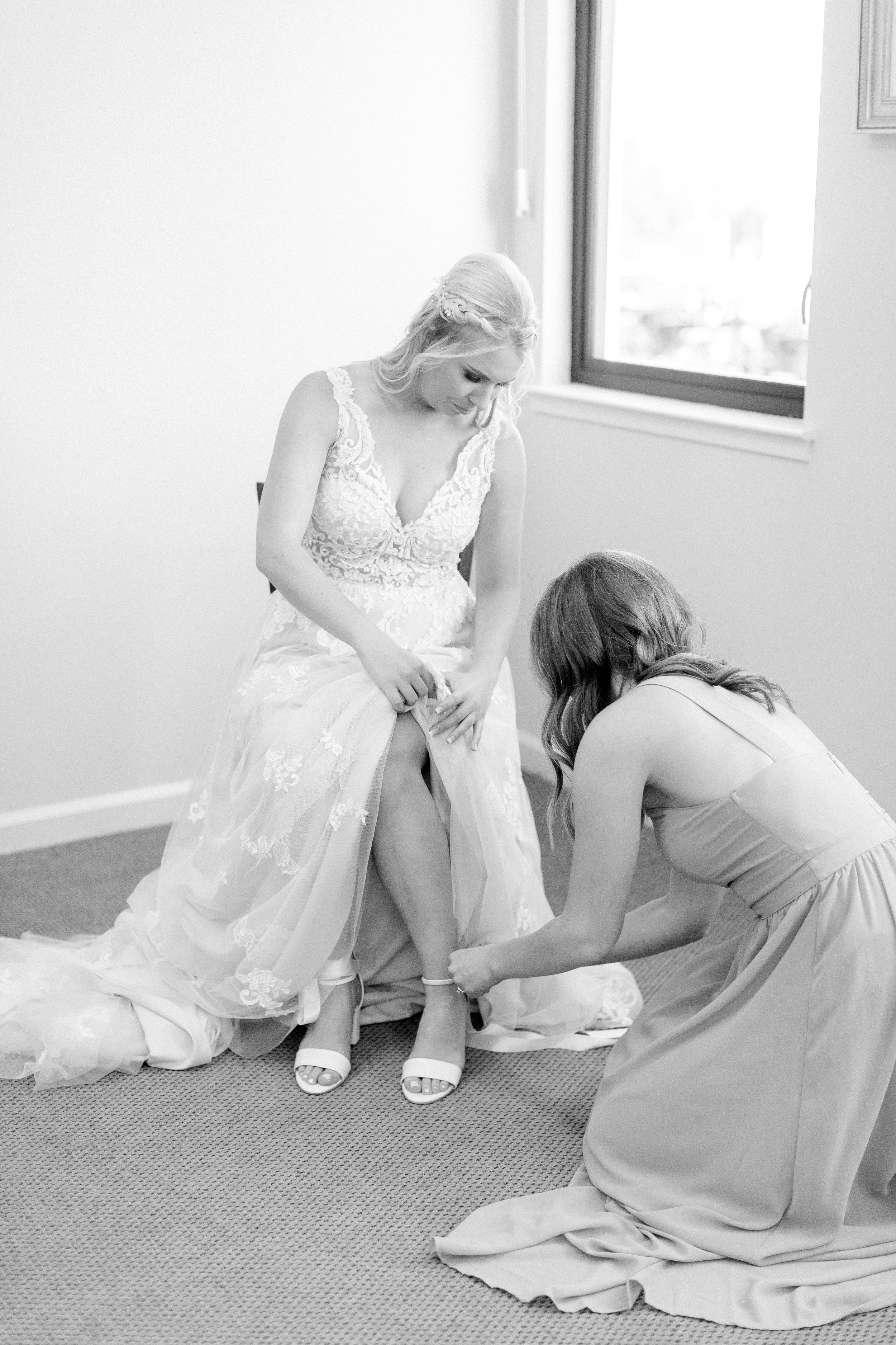 destination-california-wedding-photographer-captures-bride.jpg