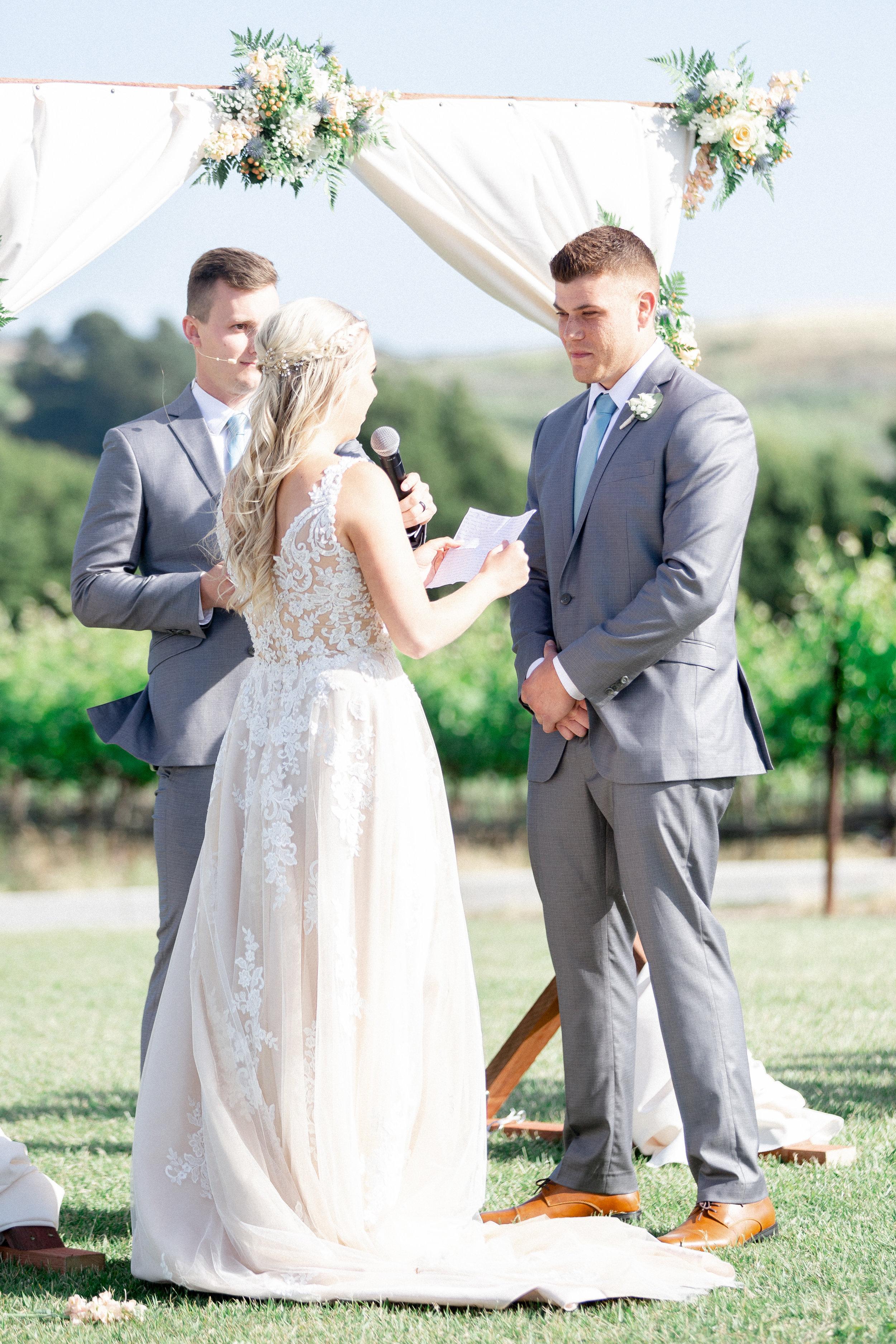 Eagle-Vines-Golf-Course-wedding-photographer (108 of 206).jpg