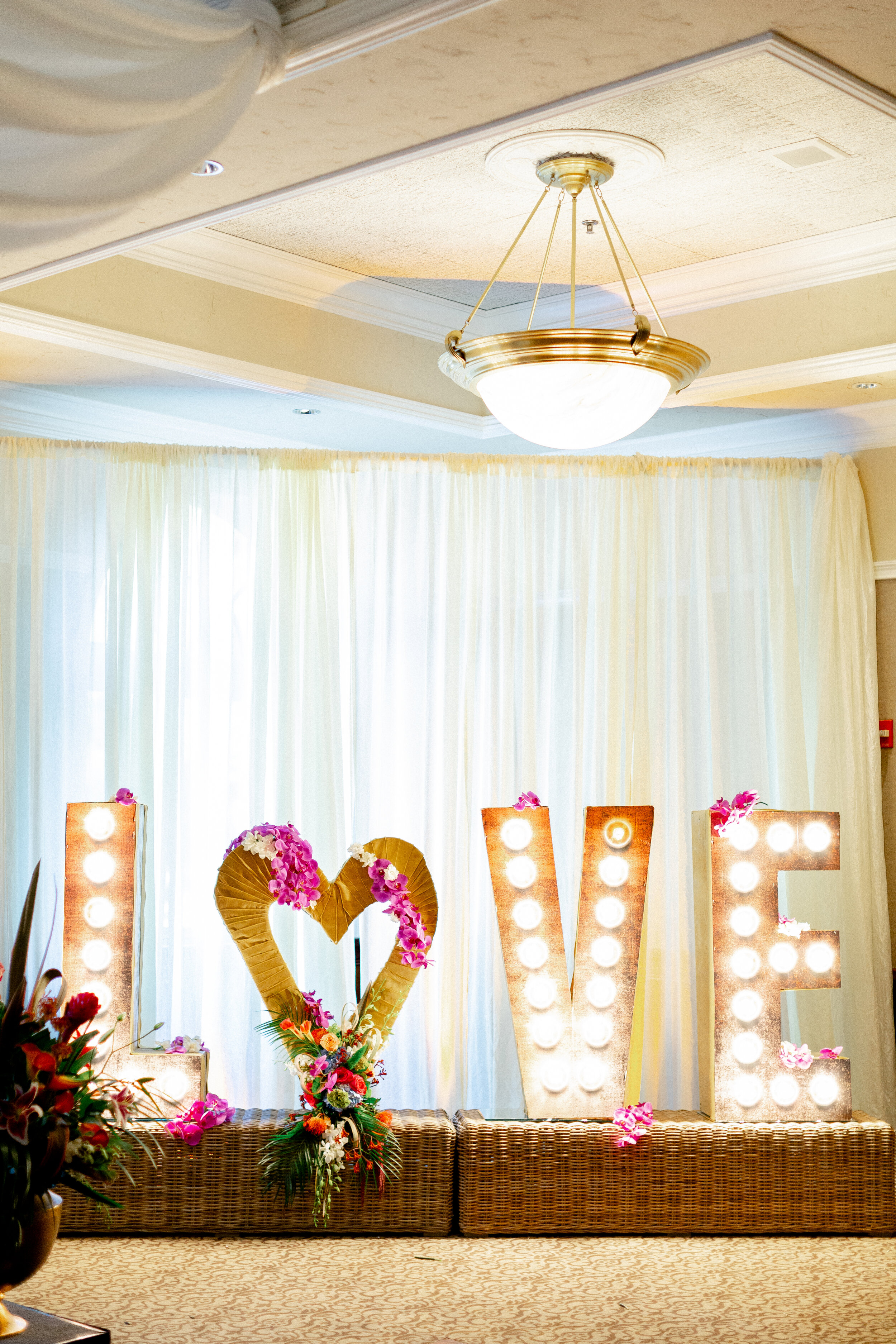 194Downtown-Campbell-Ainsley-House-Wedding-Photos (115 of).jpg