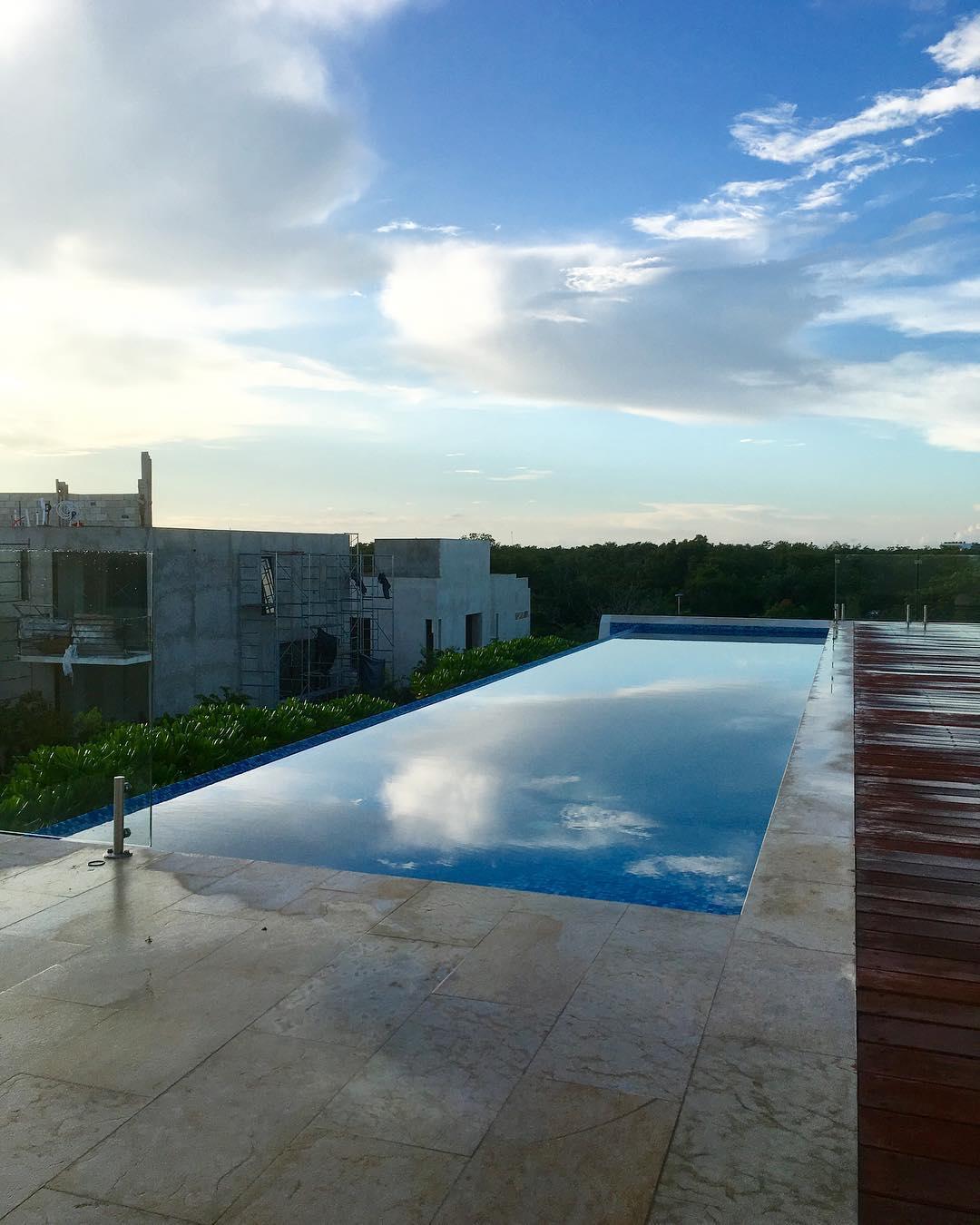 Glassy Infinity Pool.jpg