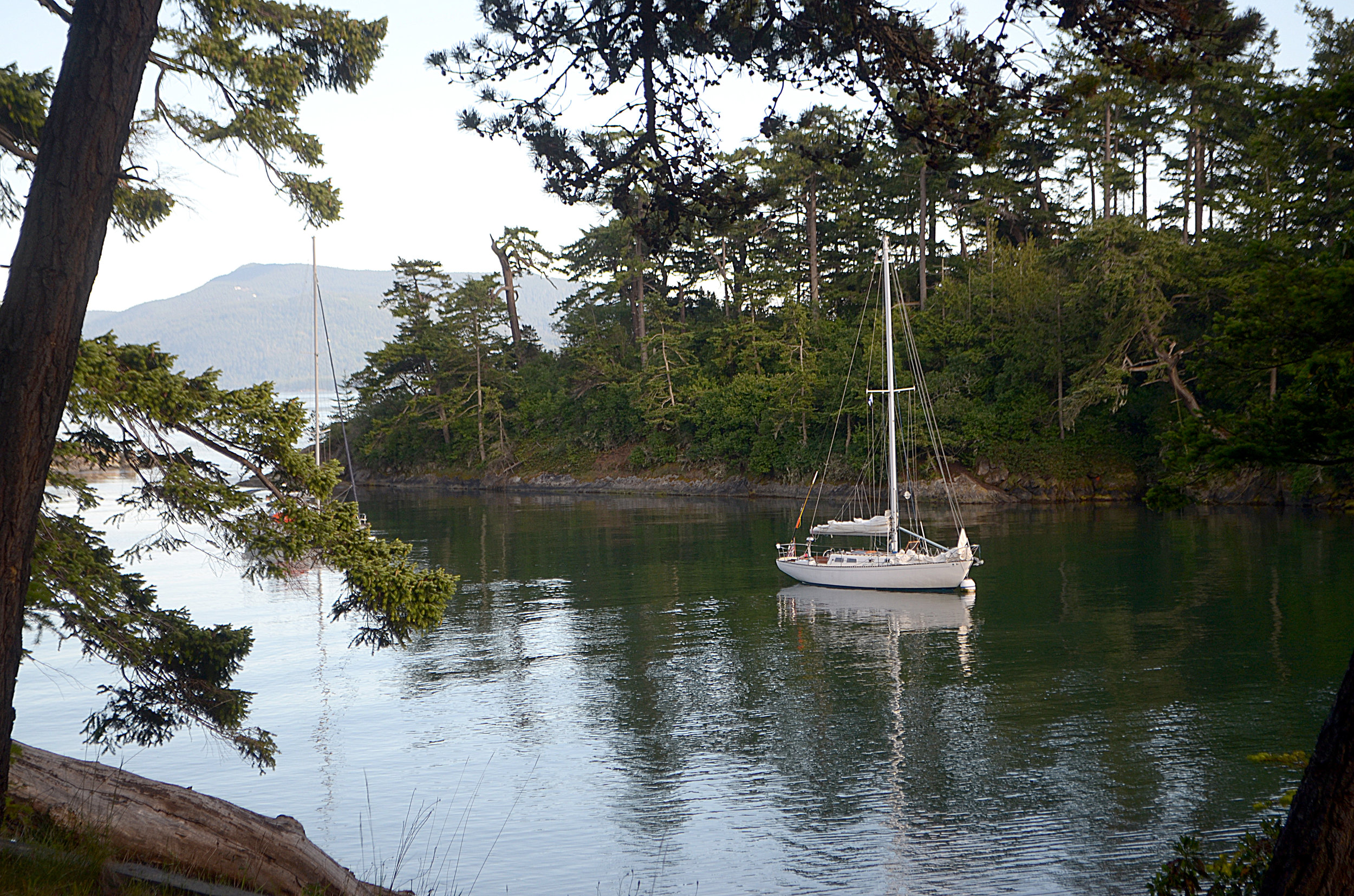 Experience the best cruising in US waters; The San Juan Islands..