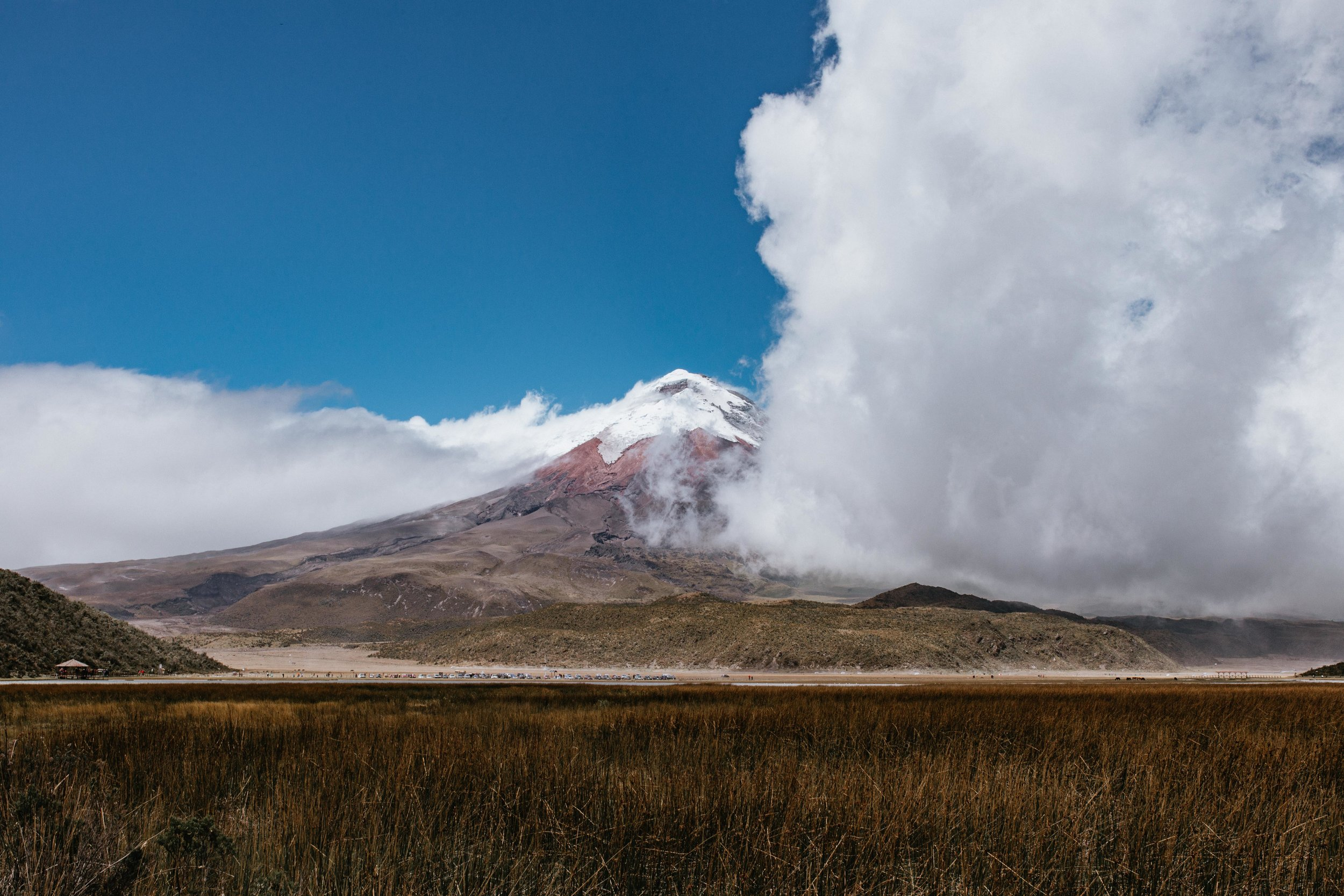 Volcan Cotopaxi, view from the Lagoon in the National Park