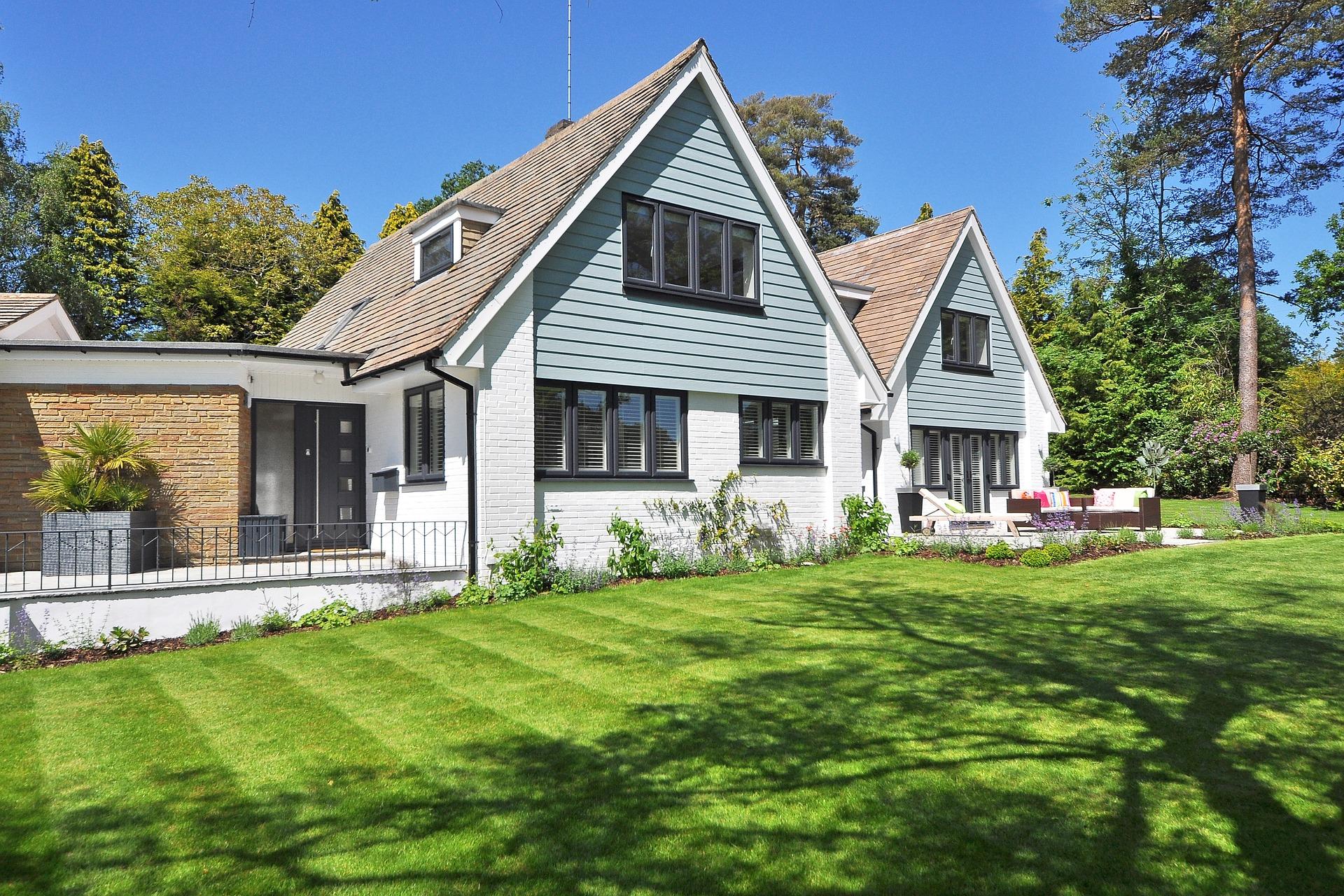 beautiful-home-2826052_1920.jpg