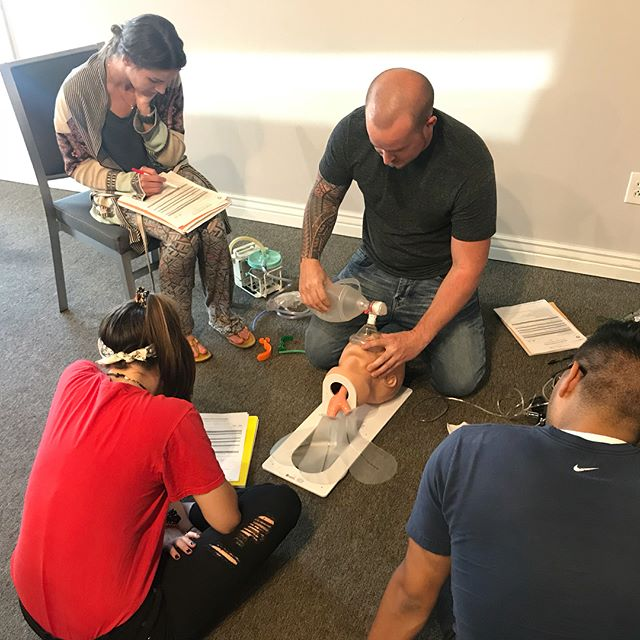 Our EMT class is killing it! We have a great group of students and this class is a blast | www.uemta.com