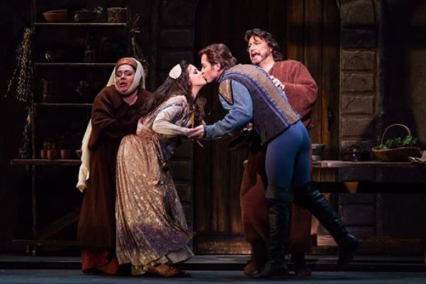 Gertrude , Romeo et Juliette (with Joyce El-Khoury, Stephen Costello, and Peter Volpe), Austin Opera, 2015