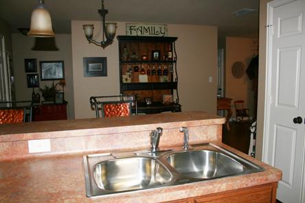 kitchen_counter_big.jpg