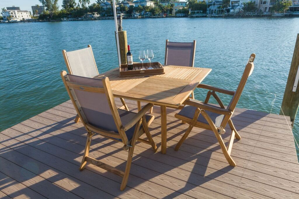 dolphin square with florida folding chairs